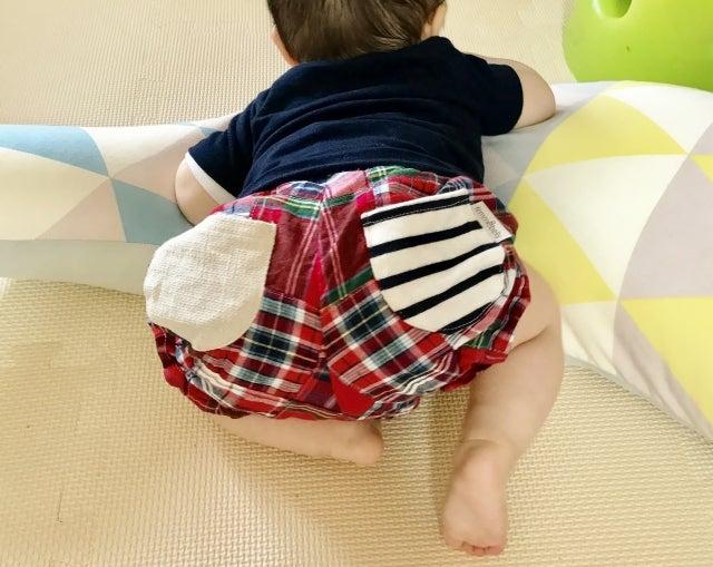 【腹這い】片手・片足で腹ばいする赤ちゃんってどうしたらいい?