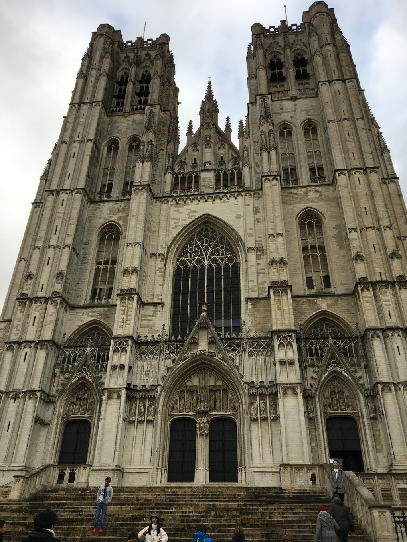 ベルギー・ブリュッセル サンミッシェル大聖堂