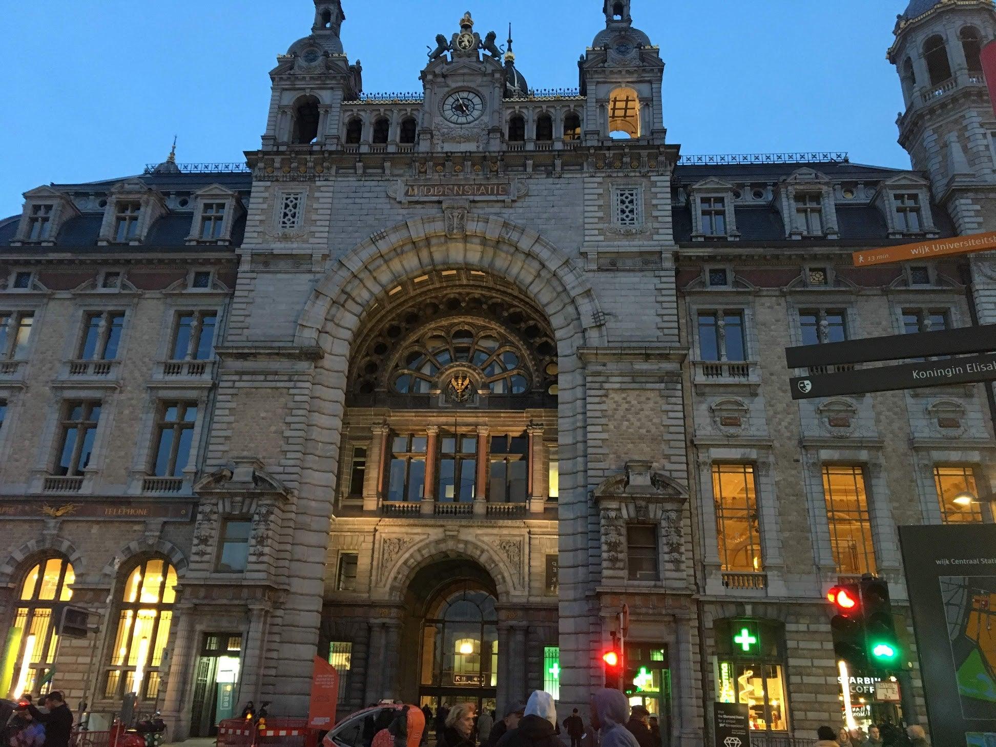 ベルギー アントワープ中央駅
