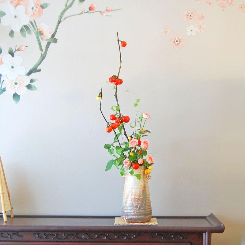 ハナナス、ミニ薔薇、利休草の生け花2