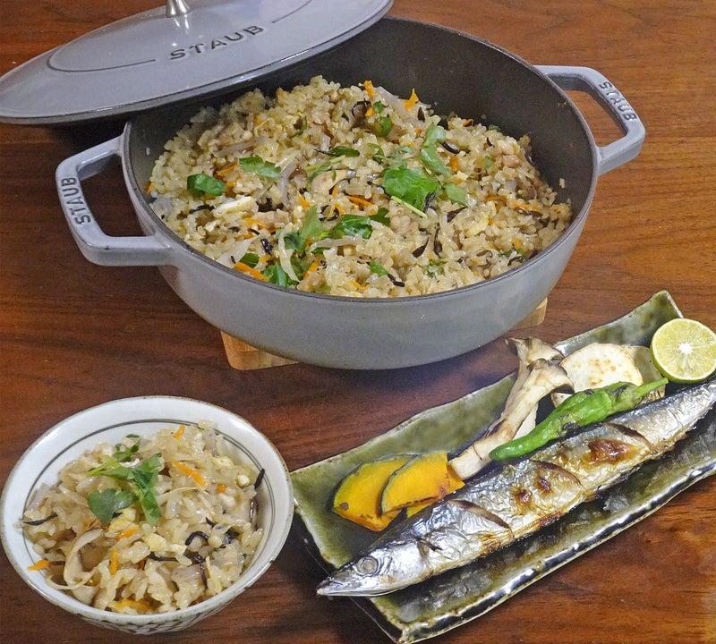冷凍きのこで旨みアップ! 鶏肉と根野菜のふっくら秋の炊き込みご飯