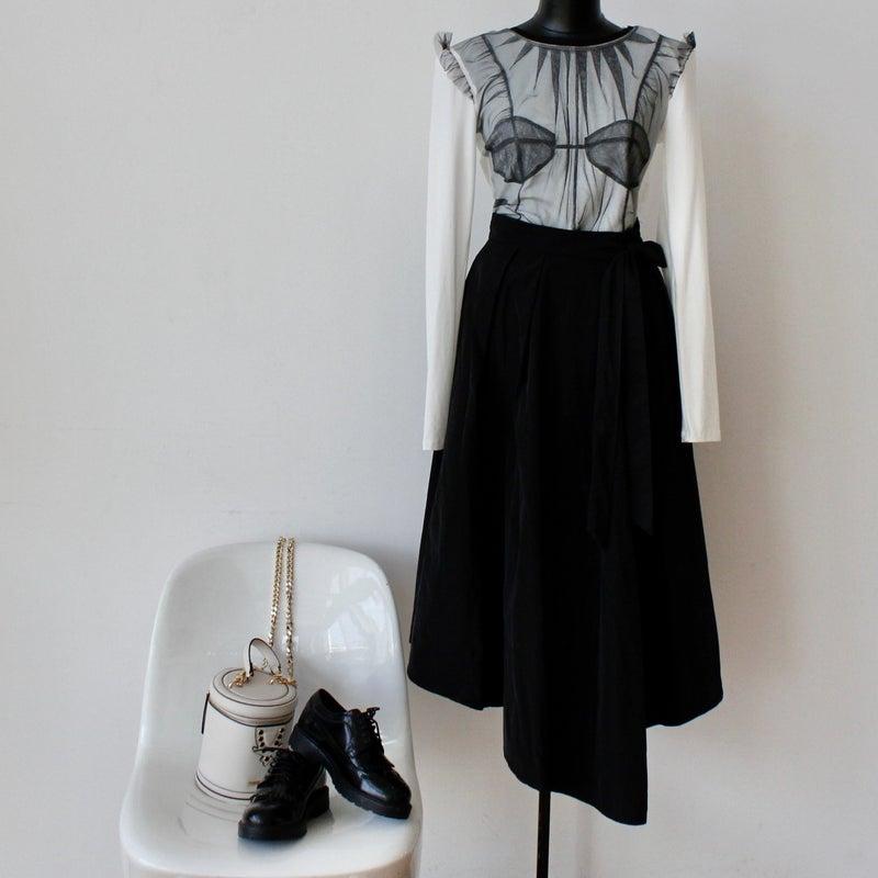 軽くて快適、カシャカシャ素材スカート