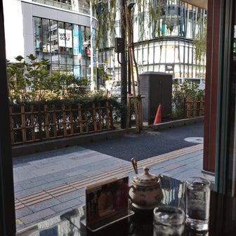 秋はオープンエアで☆カフェ銀座みゆき館本店