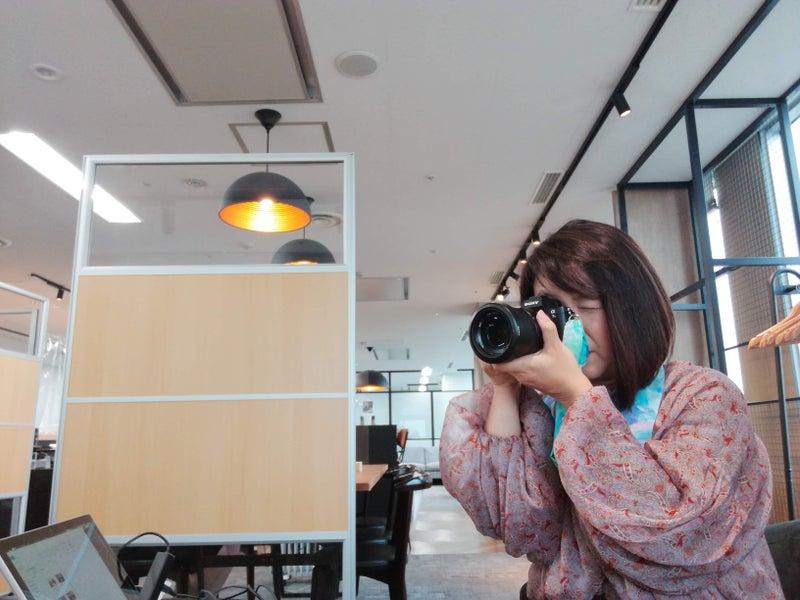 カメラマン 女性 プロフィール写真 撮影