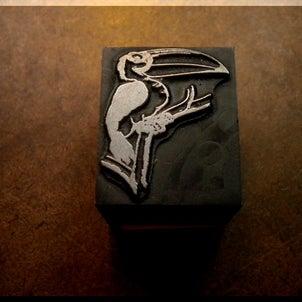 木製台座メタルスタンプ~鉛の生き物図鑑・鳥類編~の画像
