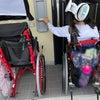 新しい車椅子の画像