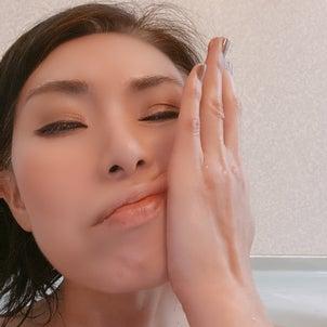 ニキビ研究所の洗顔指導の画像