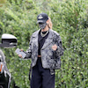 10/24 ヘイリー・ビーバーのライダースジャケットの画像