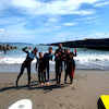 オトナもコドモも和気あいあい♫笑顔で楽しむサーフィンスクール!!の画像