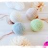 手編みオーナメントで白樺ツリーを飾るの画像