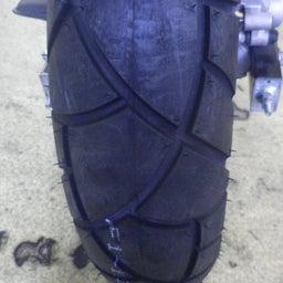 画像 ホンダ エイプ タイヤ交換 タイヤパンク タイヤひび割れ バイク 修理 名古屋市港区 の記事より 7つ目