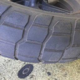 画像 ホンダ エイプ タイヤ交換 タイヤパンク タイヤひび割れ バイク 修理 名古屋市港区 の記事より 5つ目