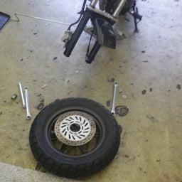 画像 ホンダ エイプ タイヤ交換 タイヤパンク タイヤひび割れ バイク 修理 名古屋市港区 の記事より 3つ目