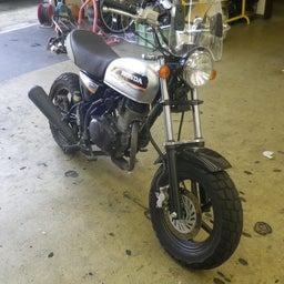画像 ホンダ エイプ タイヤ交換 タイヤパンク タイヤひび割れ バイク 修理 名古屋市港区 の記事より 1つ目