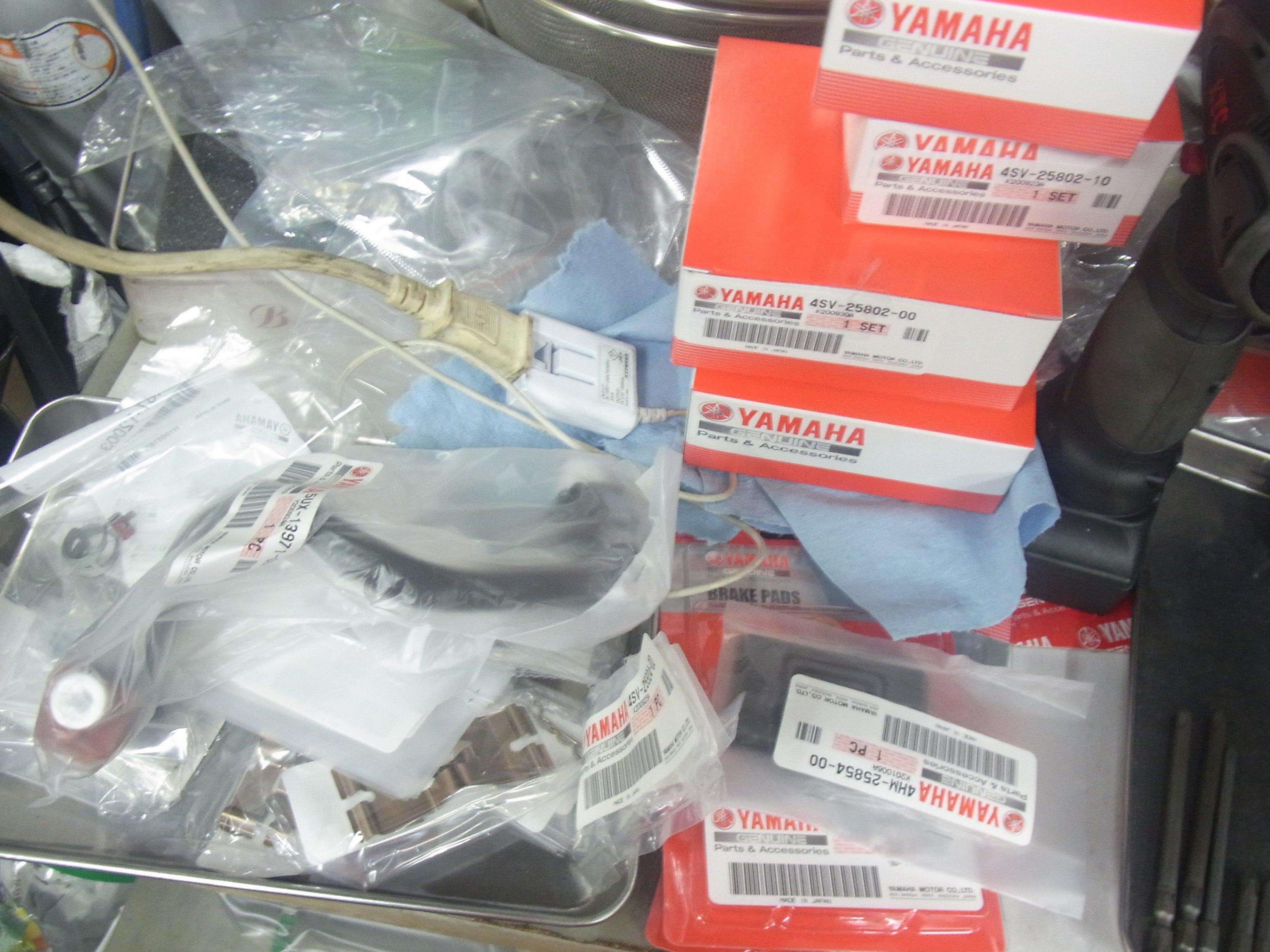 XJR1300 車検前点検整備② 消耗品部品関係を交換していきます クリップも………。