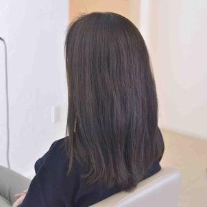 広がりやすい多毛でも コンパクトに収まるサラ艶ヘアの画像