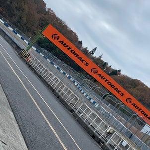 岡山国際サーキット。ファクトリーでは引き続きEK9+K24ね。の画像
