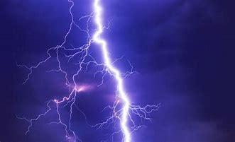 れる 夢 た に 打 雷 【夢占い】雷に打たれる夢は電撃的な恋の予感!? 雷・稲妻・竜巻の夢が暗示すること