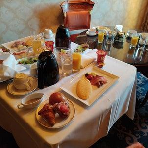 ミラコスタ ポルトパラディーゾスイート2020⑤ ~ルームサービス朝食~の画像