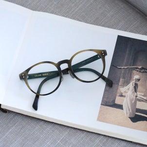 2021年の手帳と、CELINEの画像