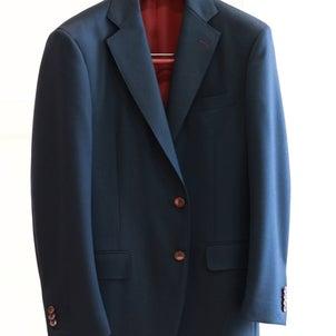 ビジネスに赤い裏地のスーツってどう?の画像