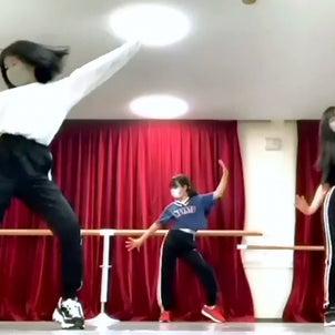 日曜日K-POPダンス盛況の画像