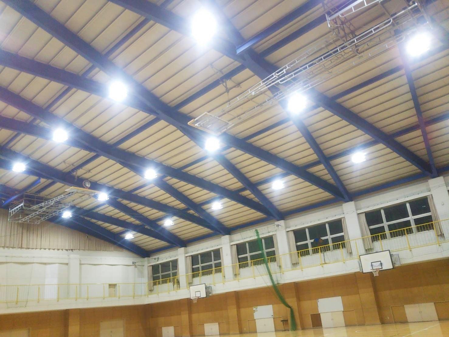 市内中学校LED改修工事が完了しました