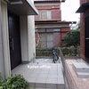 守谷市 I様 玄関脇 コーナー部分に屋根を 自転車置き場の画像