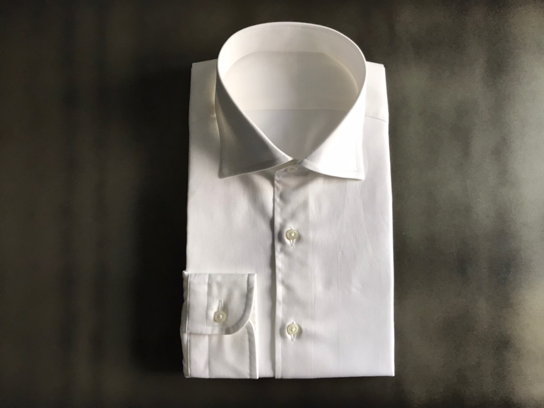 ネクタイをしてもしなくてもwear worksオーダーシャツ