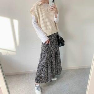 《ZARA》夏まで使えるトップス♡女子力上がるマーメイドスカートの画像