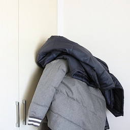 画像 ★無印「壁に付けれる家具」でコート・バックの一時置きに♪ の記事より 3つ目