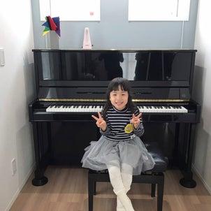 お母さんの大切なピアノがやって来ましたの画像