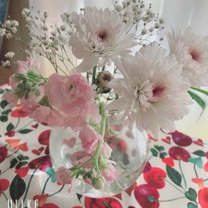 生きたお花を部屋に飾ると運気アップします✨の画像
