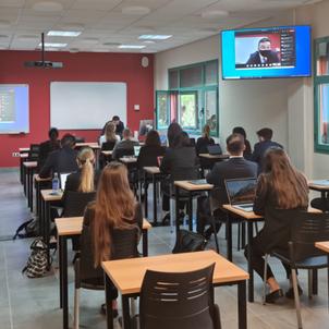 レ・ロッシュ大学マルベーリャ校 対面授業再開のお知らせの画像