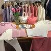 優しいカラーの春のピンクコーディネート 鎌倉店の画像