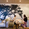 ゆるおく散歩 開放的な広い店内とオサレな食事「47(キャラントセット)」の画像