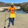 冬の派手派手ゴルフウェアコーディネートの画像