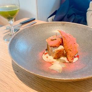 料理もアロマもサイエンス✨ 液体窒素で固めた タルトタタンの林檎の部分を振りかけて@aeluの画像