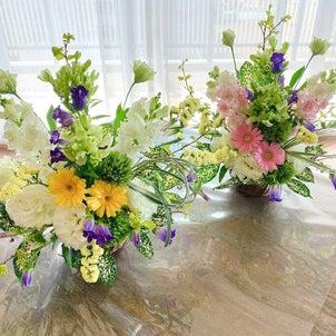春のお花のアレンジメントの画像
