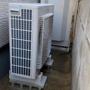 温水器からエコキュートの取り替え工事の施工前と施工後の比較の画像