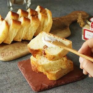 なんと材料2つだけ!ホットケーキミックス×15分で簡単「クイックブレッド」と出汁巻サンド!!の画像