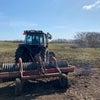 転圧ローラーで放牧地整備の画像