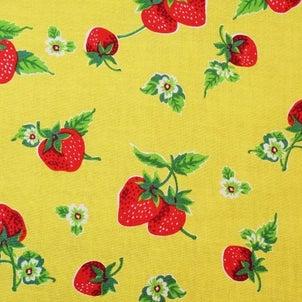 黄色地イチゴ柄の布地  柄屋ヤフオク店の画像