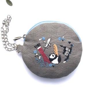 神戸モチーフの刺繍。坂と海と山とまちなみと。の画像