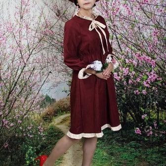 自宅で一人遊び(338) 21年4月(5) ボルドーのお嬢様ワンピ、帽子も被って裏山散歩