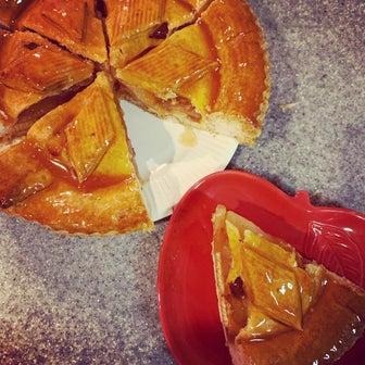 今朝の食パンとアップルパイ