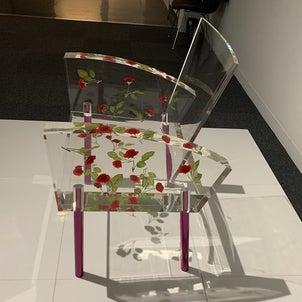 埼玉県立近代美術館の新収蔵品と椅子のコレクションの画像