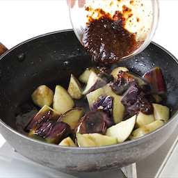 画像 副菜作りに手こずらない! 「なすのみそ炒め(なべしぎ)」※レシピあり※ の記事より 3つ目
