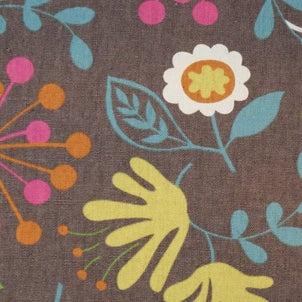 グレー地カラフル花柄の布地 柄屋クリーマ店の画像