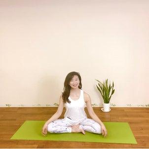 【ヨガで自分の未来を拓く】ヨガの基本一般的にヨガというとポーズや座る瞑想を思い浮...の画像